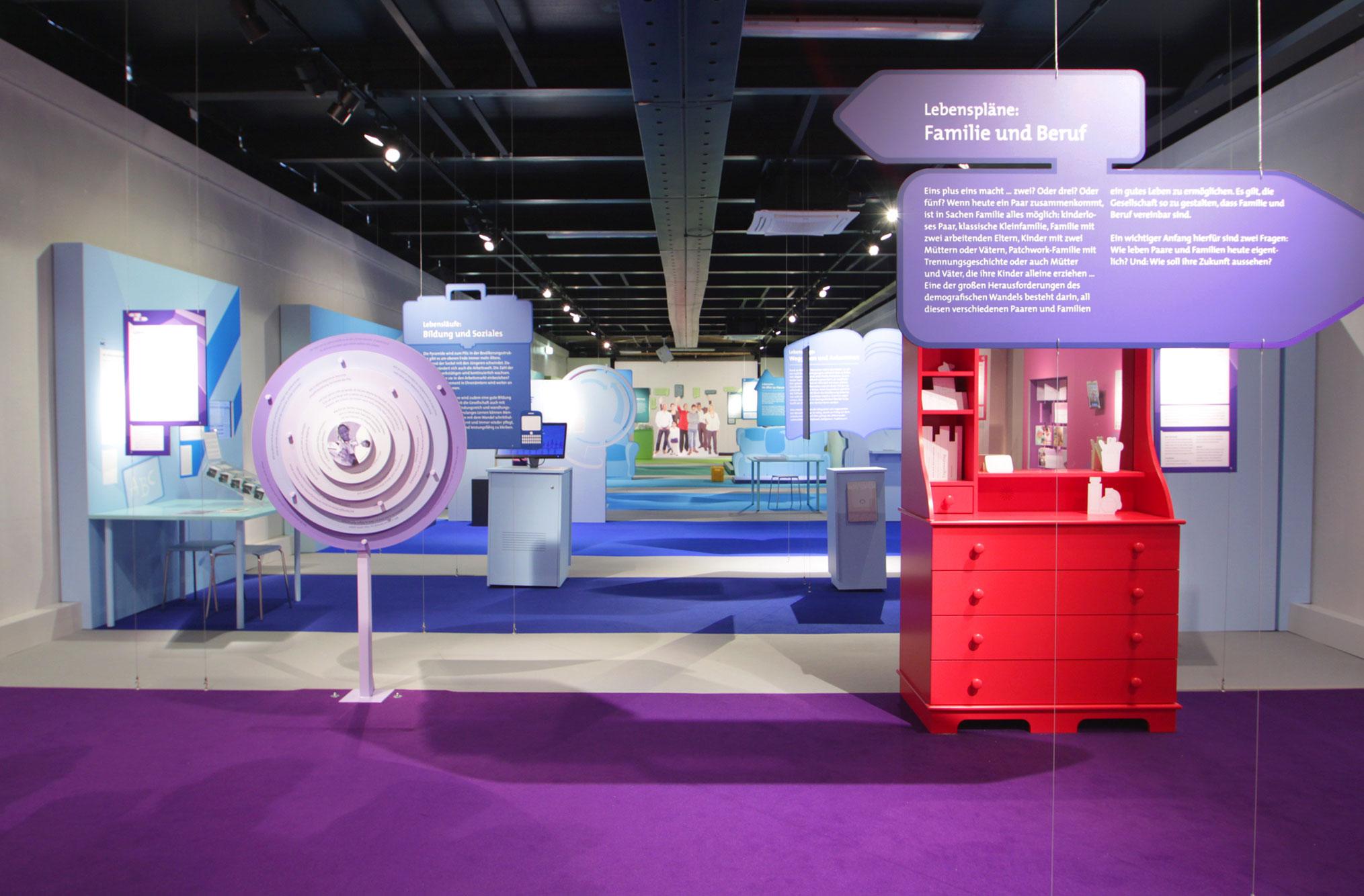 von GROTE Ausstellungsgestaltung und Design / MS Wissenschaft 2013 – Alle Generationen in einem Boot